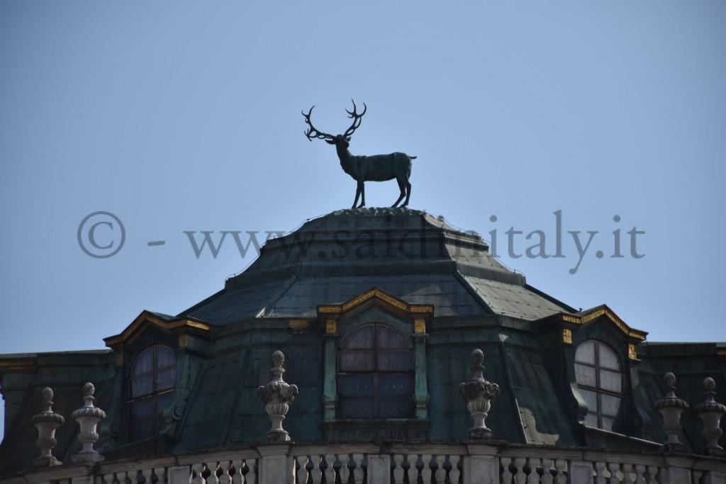 Palazzina di caccia di Stupinigi, Torino. (Filippo Juvarra). Particolare della statua del cervo in bronzo (Francesco Ladatte)