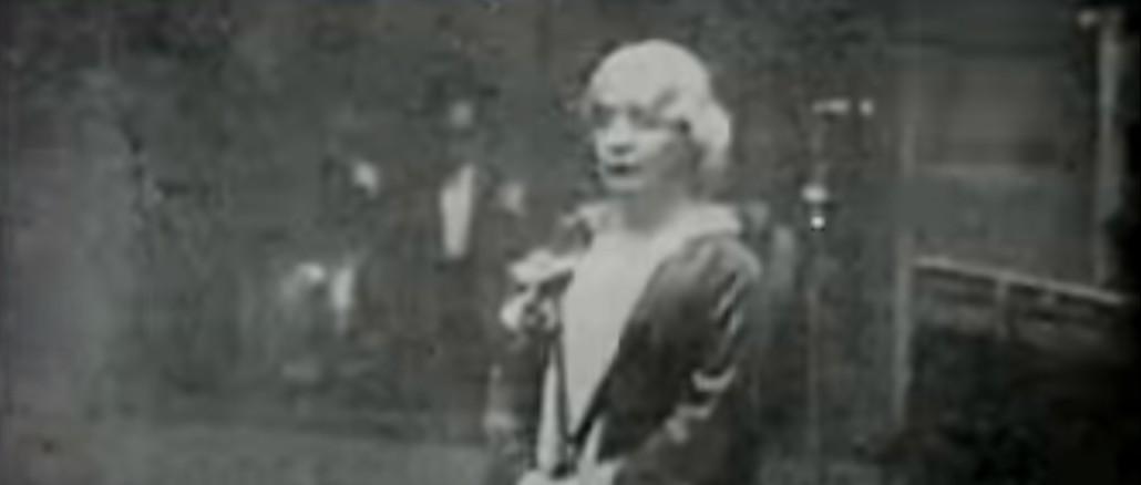 10 dicembre 1926, Grazia Deledda a Stoccolma riceve il premio Nobel per la letteratura. Seconda donna a ricevere un premio nobel, dopo Marie Curie (Maria Skłodowska)