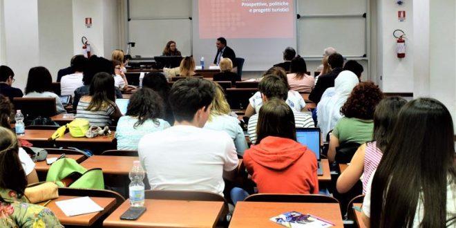 Investimenti in istruzione, l'Italia è tra gli ultimi paesi in Europa